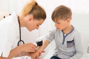 dottoressa controllo bambino
